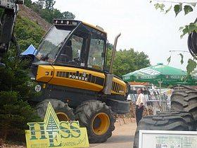 Ausstellung der Hess GmbH Forstservice und Holzvermarktung beim Tag der Franken