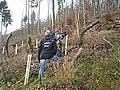 Der Bayerische Rundfunk bei den Dreharbeiten zur Aufforstung mit Tubex-Wuchshüllen